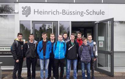 """Uczniowie """"Mechanika"""" na tragach CeMAT w Hanowerze"""