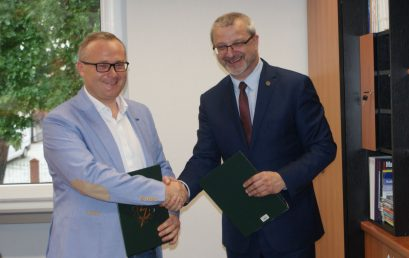 """Współpraca CKZiU nr 2 """"Mechanik"""" i firmy EKO-OKNA S.A"""