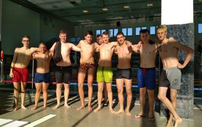 Mechanik na zawodach w pływaniu drużynowym
