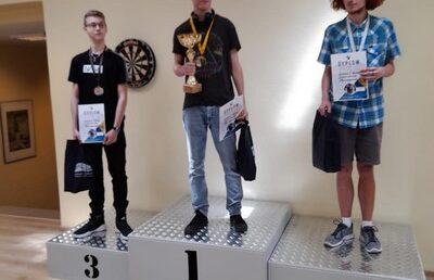 """Szachiści """" Mechanika"""" na podium"""